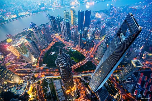 Sau thời kỳ trỗi dậy mạnh mẽ, rồng Trung Quốc đang mắc kẹt trong tham vọng số 1 thế giới: Nền kinh tế mất đà, không còn nhiều lựa chọn để kích thích tăng trưởng và còn bị thiệt hại nặng vì thuế quan - Ảnh 2.