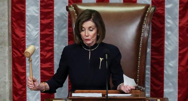 """Trump tố Pelosi đang """"làm mọi thứ"""" để trì hoãn phiên tòa Thượng viện - Ảnh 1."""