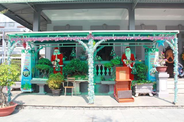 Người Sài Gòn tất bật chuẩn bị chào đón Giáng sinh - Ảnh 5.