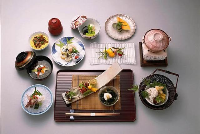 Công thức bữa ăn 1 món súp, 3 món phụ: Nghệ thuật ăn uống lành mạnh giúp người Nhật có sức khỏe dồi dào, kéo dài tuổi thọ - Ảnh 1.