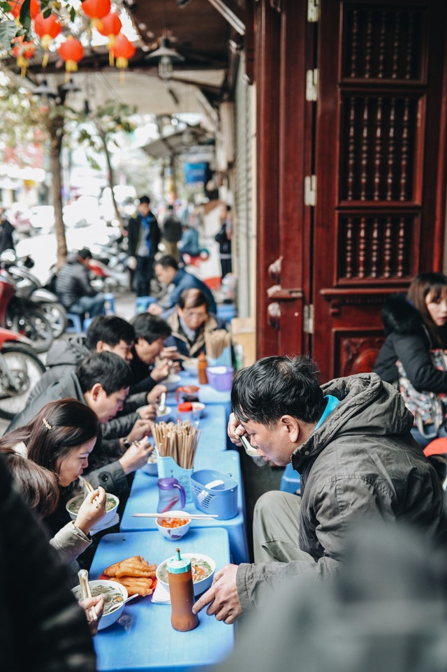 Mùa đông Hà Nội có hương vị gì khiến người ta phải lòng đến thế, năm nào cũng đến mà vẫn khắc khoải ngóng trông - Ảnh 8.