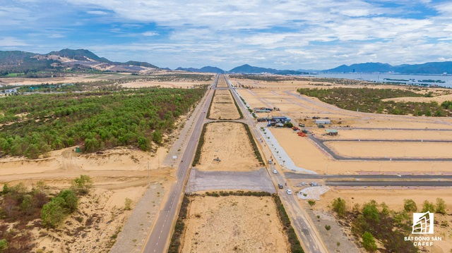 Đầu tư mạng lưới giao thông, điều chỉnh khu kinh tế theo hướng đô thị nghỉ dưỡng đang tác động mạnh đến bất động sản Bình Định - Ảnh 1.