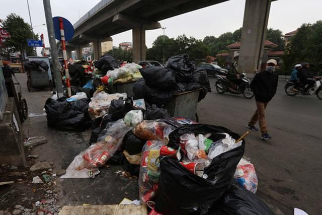 Hà Nội vỡ trận rác thải - Ảnh 2.