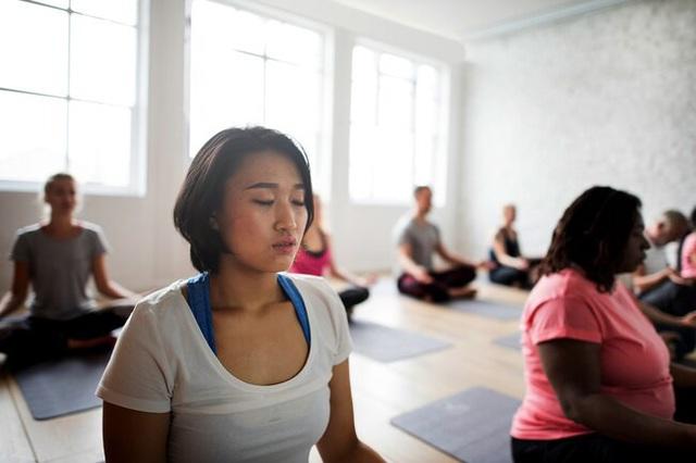Lợi ích tuyệt vời cho sức khỏe khi bạn tập yoga - Ảnh 1.