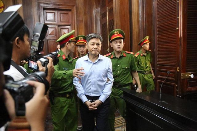 Nguyên Phó Chủ tịch UBND TP HCM Nguyễn Hữu Tín bị đề nghị 7 – 8 năm tù - Ảnh 1.