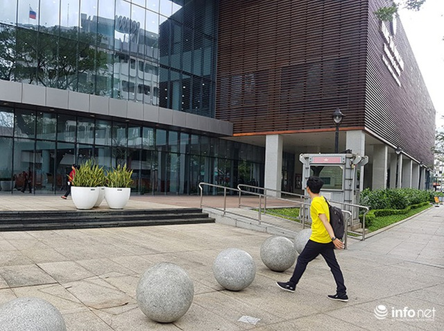 Nên di dời 43 quả cầu đá quây trước Trung tâm Hành chính TP Đà Nẵng? - Ảnh 14.