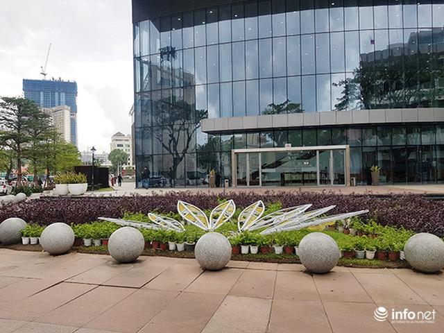 Nên di dời 43 quả cầu đá quây trước Trung tâm Hành chính TP Đà Nẵng? - Ảnh 3.