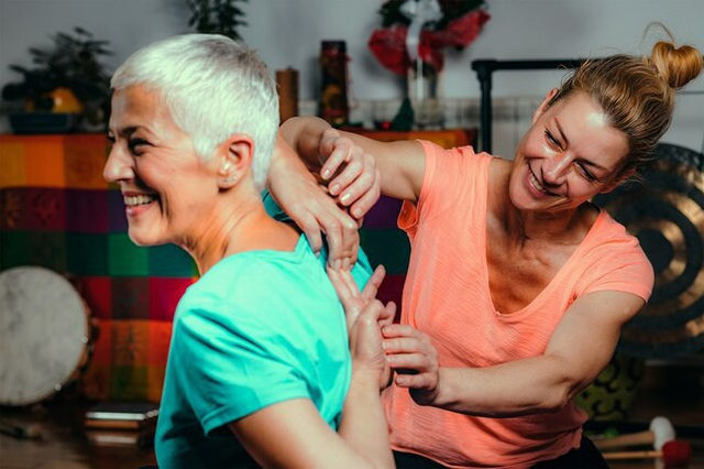 Lợi ích tuyệt vời cho sức khỏe khi bạn tập yoga - Ảnh 4.