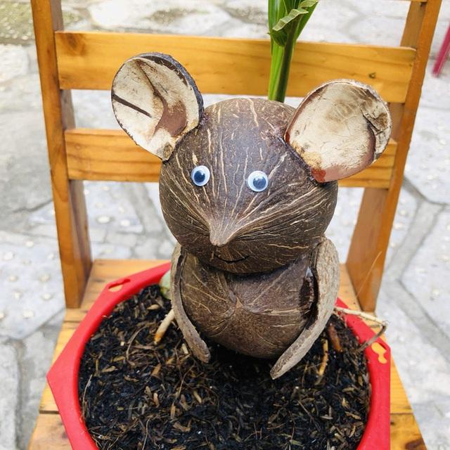 Biến quả dừa khô bỏ đi thành bonsai chuột tiền triệu, chàng thanh niên lãi đậm dịp Tết 2020 - Ảnh 8.
