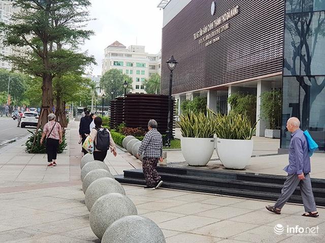 Nên di dời 43 quả cầu đá quây trước Trung tâm Hành chính TP Đà Nẵng? - Ảnh 9.