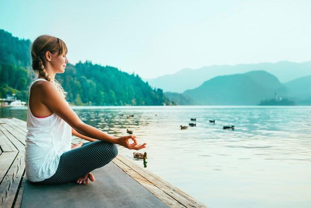 Thiền định không khó như bạn nghĩ: Dẹp bỏ được 6 tư tưởng sai lầm này, tôi đã thực hành thành công dù từng ghét cay ghét đắng  - Ảnh 2.