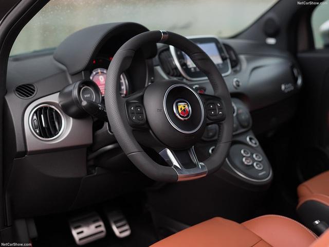 Abarth 595 gần 3 tỷ đồng chào hàng đại gia Việt: Xe nhỏ hơn VinFast Fadil nhưng giá ngang Porsche Macan với trang bị khủng như siêu xe - Ảnh 13.