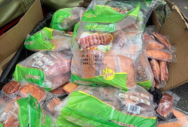 Chặn đứng 2 container chứa hàng tấn thực phẩm đông lạnh nhập lậu tại siêu thị MM Mega Market - Ảnh 5.