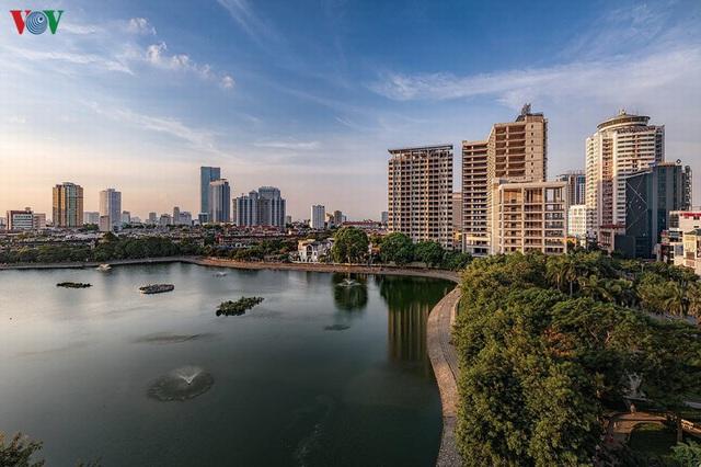 Toàn cảnh hồ Thành Công vừa bị đề xuất lấp để xây chung cư - Ảnh 3.