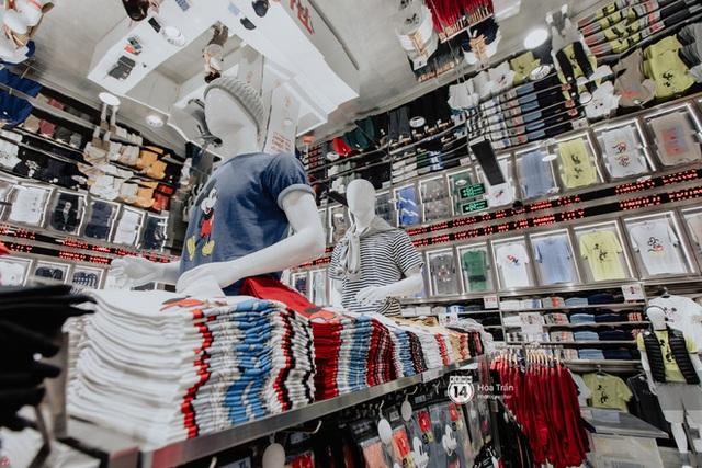 HOT HIT: Những hình ảnh rõ nét xịn sò đầu tiên bên trong store UNIQLO Việt Nam trước ngày khai trương - Ảnh 11.