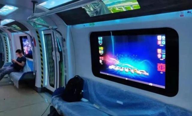 Tàu điện ngầm mới của Trung Quốc có cửa sổ cảm ứng như iPad cỡ lớn, tốc độ 140km/h, nguyên liệu sợi carbon nhưng dân tình có vẻ không háo hức cho lắm - Ảnh 2.
