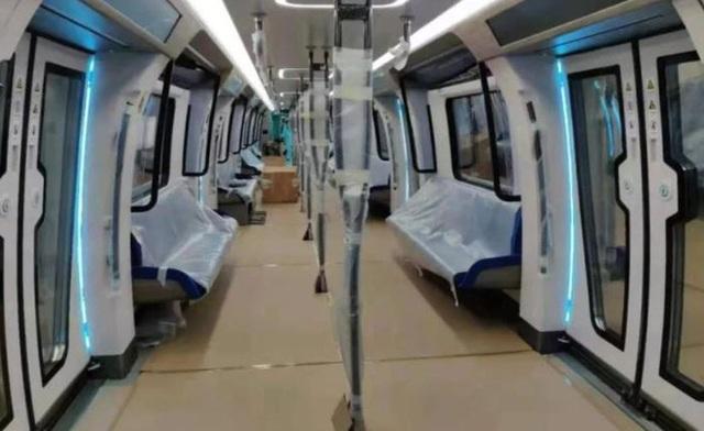 Tàu điện ngầm mới của Trung Quốc có cửa sổ cảm ứng như iPad cỡ lớn, tốc độ 140km/h, nguyên liệu sợi carbon nhưng dân tình có vẻ không háo hức cho lắm - Ảnh 3.