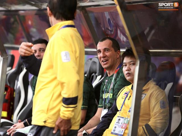 Thủ môn U22 Việt Nam mắc sai lầm, fan kêu trời: Việt Nam chỉ chết vì thủ môn - Ảnh 7.