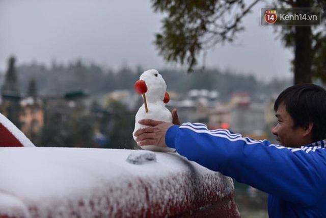 """HOT: Xuất hiện băng giá phủ trắng đỉnh Fansipan, dân tình rục rịch rủ nhau cuối năm lên Sa Pa """"săn"""" tuyết rơi - Ảnh 9."""