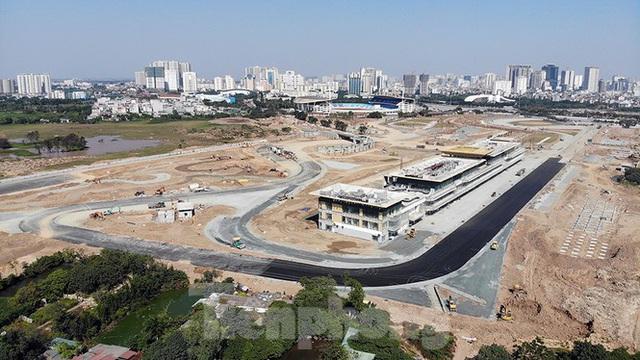 Bay trên đường đua F1 đang thành hình ở Hà Nội - Ảnh 9.