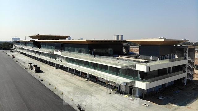 Bay trên đường đua F1 đang thành hình ở Hà Nội - Ảnh 10.