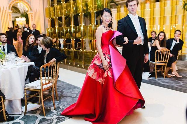 Bên trong dạ hội xa hoa nhất hành tinh của giới thượng lưu: Một loạt tiêu chí khắt khe, cầu kỳ trong từng chi tiết và cô gái Việt Nam may mắn nhất - Ảnh 22.