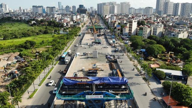 Cận cảnh tình trạng nhếch nhác tại tuyến đường 3.100 tỉ đồng vừa thông xe  - Ảnh 1.