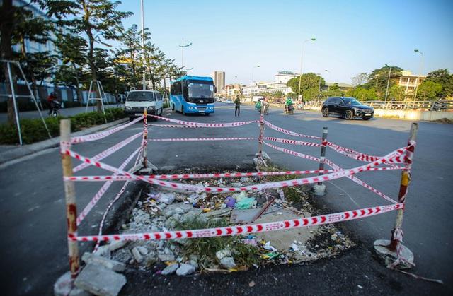 Cận cảnh tình trạng nhếch nhác tại tuyến đường 3.100 tỉ đồng vừa thông xe  - Ảnh 3.