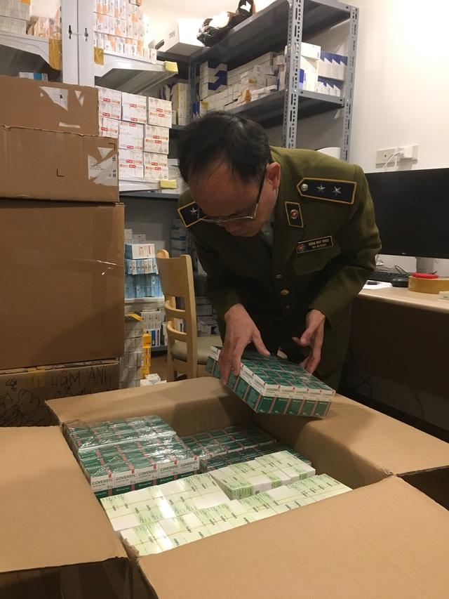 Tạm giữ lô thuốc tân dược nhập lậu trị giá hơn 1,7 tỷ đồng tại Hà Nội - Ảnh 1.
