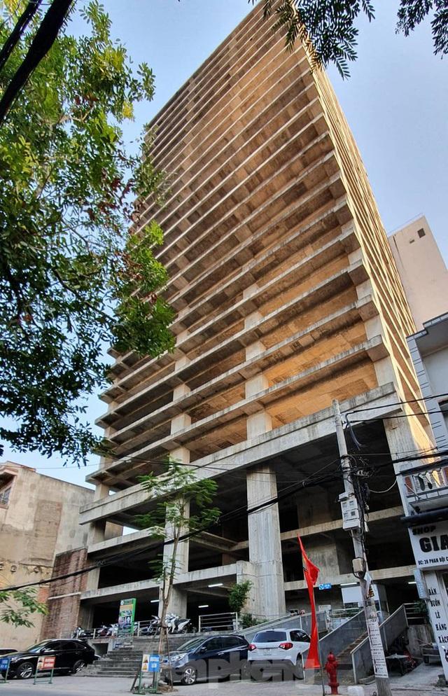 Tòa nhà chọc trời bỏ hoang giữa trung tâm thành phố Hải Phòng - Ảnh 4.