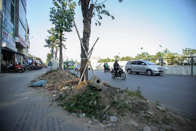Cận cảnh tình trạng nhếch nhác tại tuyến đường 3.100 tỉ đồng vừa thông xe  - Ảnh 7.