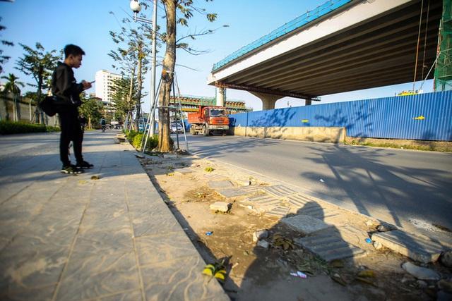 Cận cảnh tình trạng nhếch nhác tại tuyến đường 3.100 tỉ đồng vừa thông xe  - Ảnh 9.