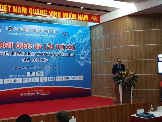 Sếp Cục tần số: Nhiều nước không có băng tần cho 5G, Việt Nam sẽ chọn băng tần nào cho 5G? - Ảnh 1.