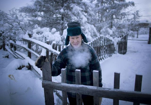 Ghé thăm ngôi làng lạnh nhất thế giới, nhiệt độ xuống tới -71,2 độ C hở cái gì ra là đóng băng cái ấy - Ảnh 12.