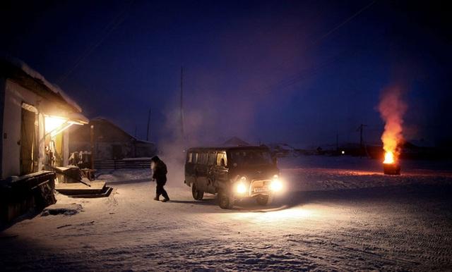 Ghé thăm ngôi làng lạnh nhất thế giới, nhiệt độ xuống tới -71,2 độ C hở cái gì ra là đóng băng cái ấy - Ảnh 14.