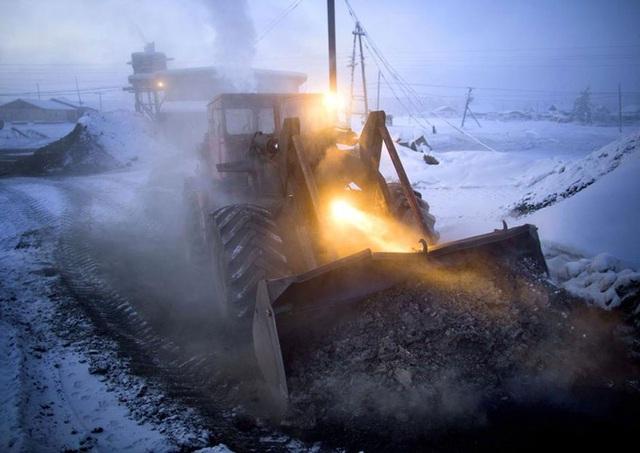 Ghé thăm ngôi làng lạnh nhất thế giới, nhiệt độ xuống tới -71,2 độ C hở cái gì ra là đóng băng cái ấy - Ảnh 19.