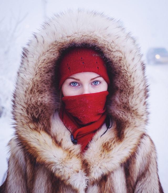 Ghé thăm ngôi làng lạnh nhất thế giới, nhiệt độ xuống tới -71,2 độ C hở cái gì ra là đóng băng cái ấy - Ảnh 4.