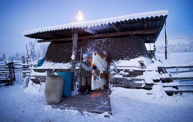 Ghé thăm ngôi làng lạnh nhất thế giới, nhiệt độ xuống tới -71,2 độ C hở cái gì ra là đóng băng cái ấy - Ảnh 7.