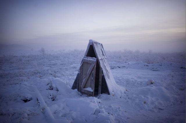Ghé thăm ngôi làng lạnh nhất thế giới, nhiệt độ xuống tới -71,2 độ C hở cái gì ra là đóng băng cái ấy - Ảnh 8.