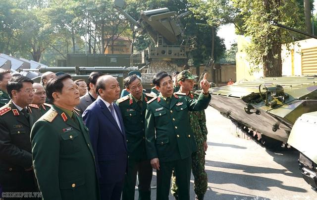 CHÙM ẢNH: Thủ tướng dự Hội nghị Quân chính toàn quân - Ảnh 1.