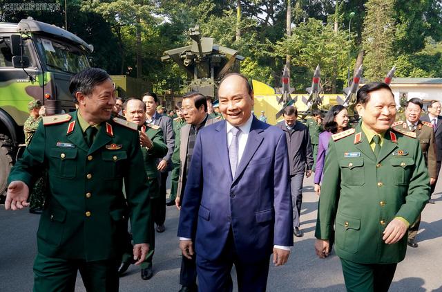 CHÙM ẢNH: Thủ tướng dự Hội nghị Quân chính toàn quân - Ảnh 2.
