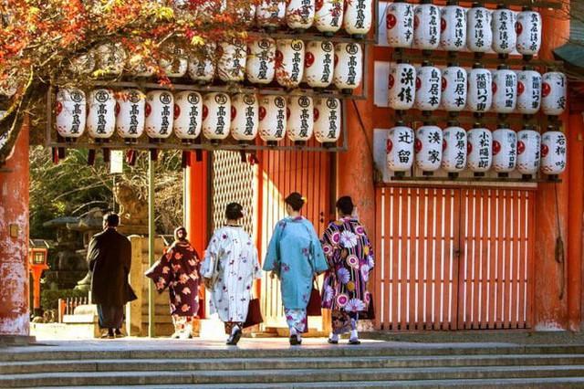Không đón Tết âm lịch nhưng người Nhật vẫn giữ phong tục khá giống người Việt, vai trò của phụ nữ cực quan trọng - Ảnh 6.