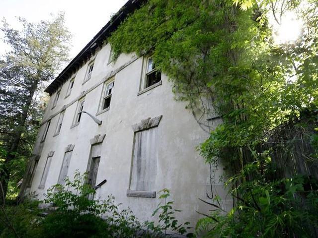 10 biệt thự bị bỏ hoang từng được coi là đỉnh cao xa xỉ - Ảnh 7.
