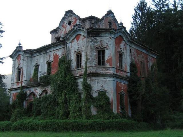 10 biệt thự bị bỏ hoang từng được coi là đỉnh cao xa xỉ - Ảnh 9.