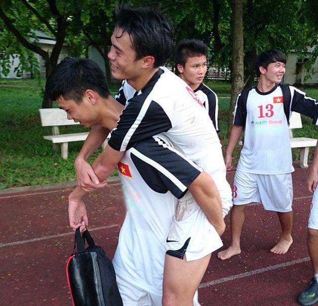 Công Phượng rời HAGL, fan động viên Văn Toàn: Ở nhà đừng chấn thương, không có ai cõng Toàn nữa đâu - Ảnh 3.