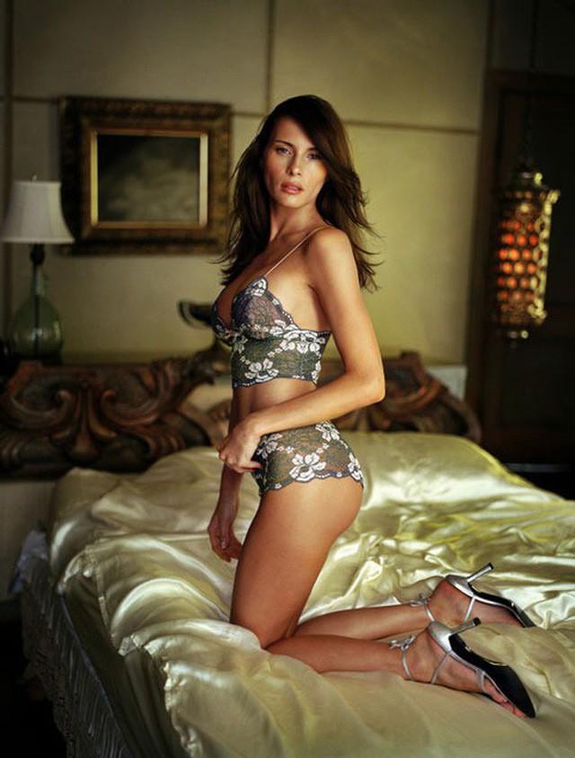 Điều ít biết Đệ nhất phu nhân Mỹ: Từng là người mẫu nóng bỏng, học vị cao, chưa bao giờ phụ thuộc chồng tỷ phú - Ảnh 4.