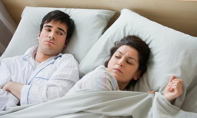 Đi qua nửa cuộc đời mới nhận ra: Ngủ trong tức giận và đòi nợ người khác là chuyện dại dột mất công vô ích nhất - Ảnh 1.
