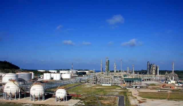 Nhóm dầu khí, thép bứt phá mạnh trong phiên chiều, Vn-Index vượt mốc 945 điểm - Ảnh 1.