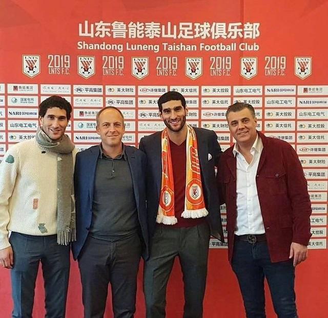 Các ngôi sao hàng đầu Việt Nam thuộc biên chế Hà Nội FC sắp đối mặt với cựu sao Manchester United - Ảnh 1.