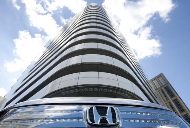 10 thương hiệu ôtô đắt giá nhất thế giới 2019 - Ảnh 7.